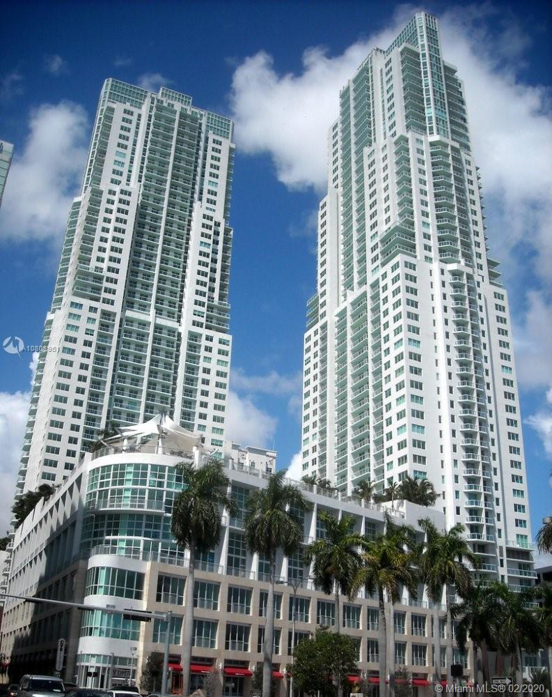 Wonderful 1/1 with beautiful views of Biscayne Bay. Resort style living with the best location acros
