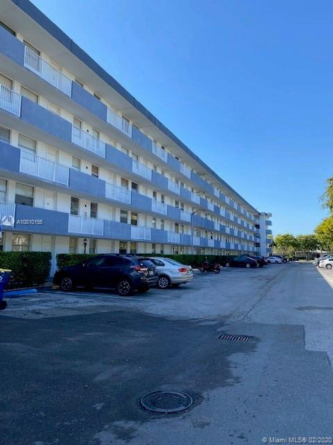 Enjoy the gorgeous Bay Views from this nice corner unit with 2 balconies. This 2/2  condo is located