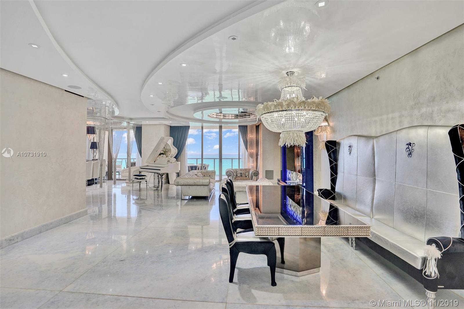 Gorgeous spacious unit with direct ocean and city views, 3 bdr + DEN/3.5bth in St Regis, Bal Harbour