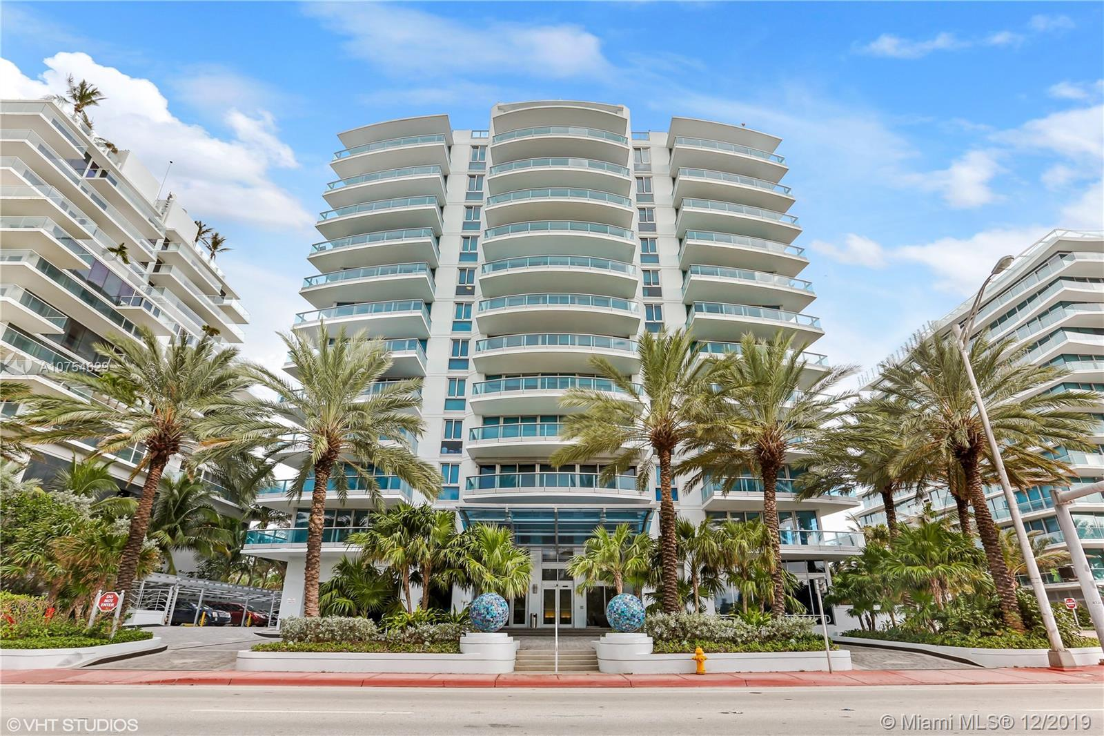 Enjoy oceanfront living from this beautiful 2 bedrooms/2.5 bathrooms + den apartment. Den can be con