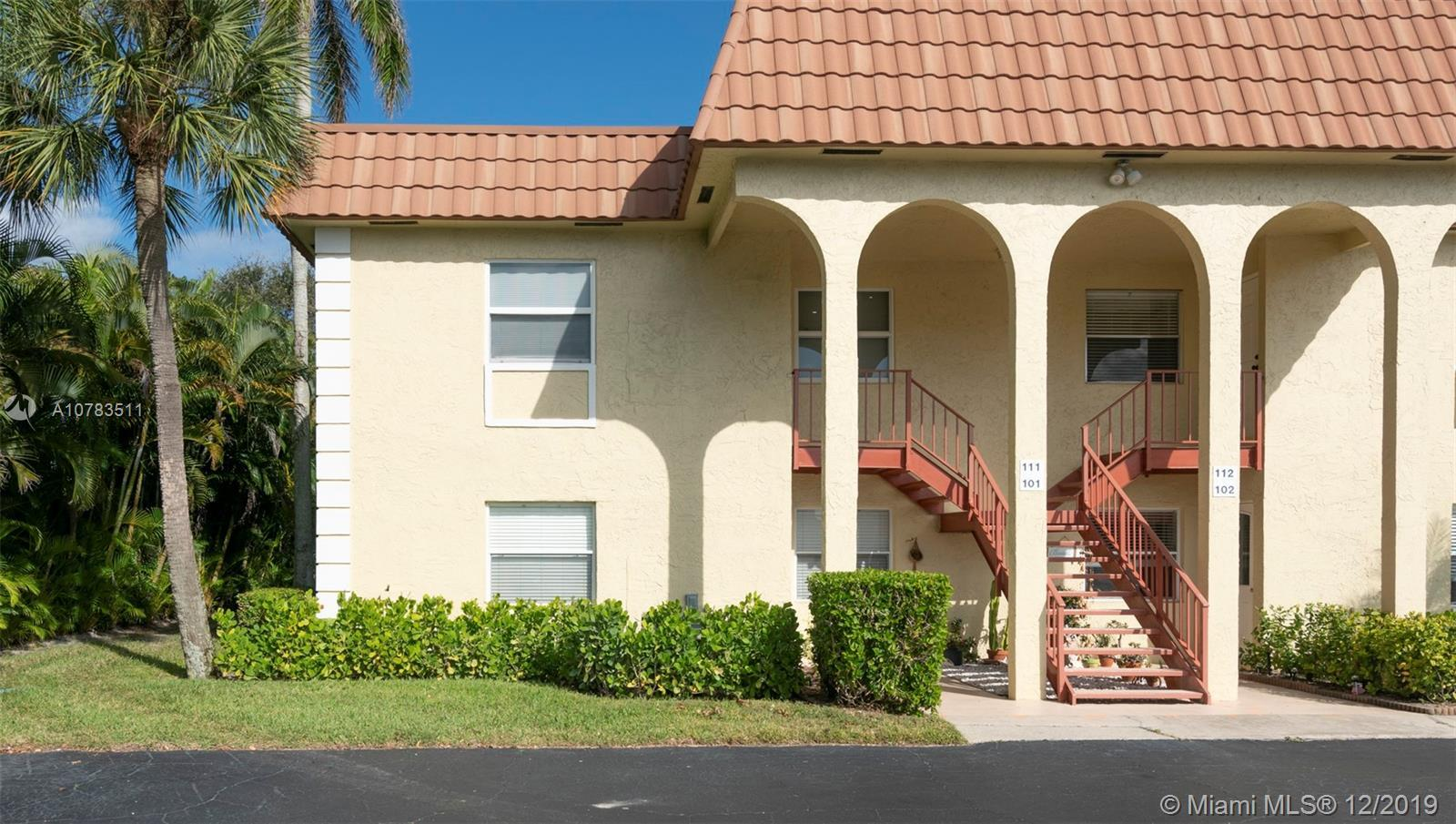 REMODELED AND MOTIVATED.  FANTASTIC OPPORTUNITY TO LIVE IN A BEACH SIDE CONDO.  THIS 2/2 UNIT, LOCAT