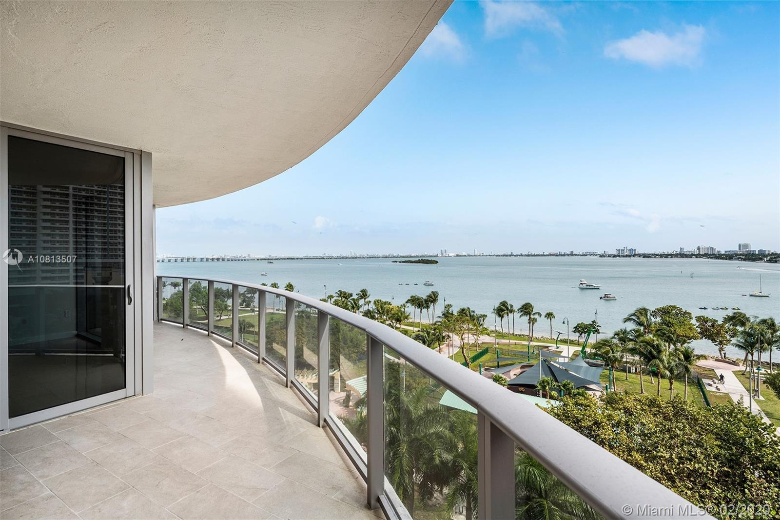 Welcome to Aria on the Bay, situated in the highly coveted neighborhood of Edgewater. Featuring an a