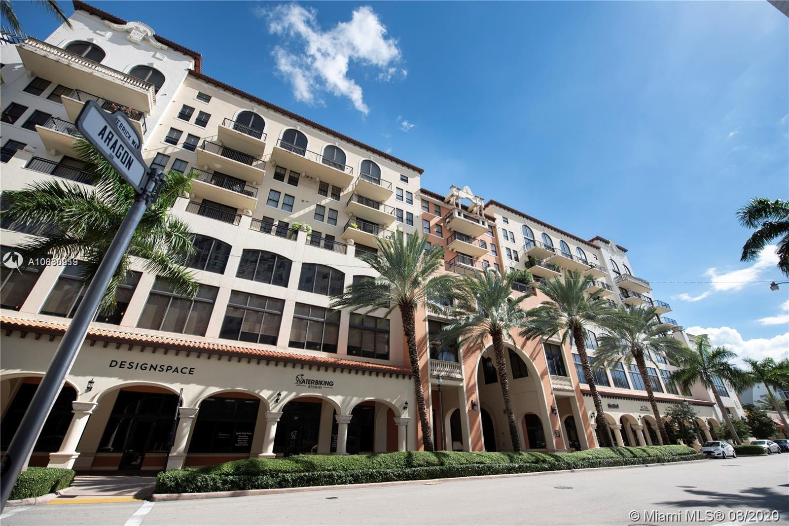 Amazing Location!, Luxurious Condominium centrally located in Coral Gables. Walking distance to Mira