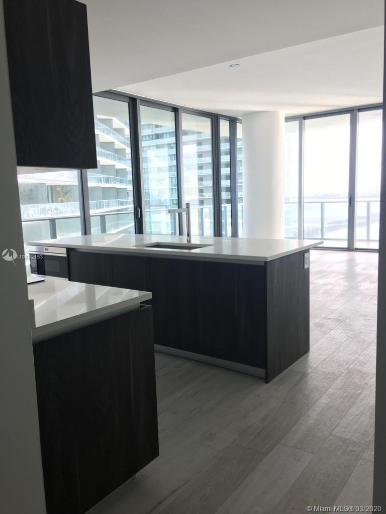 DESIGNER READY UNIT. MOTIVATED CLIENT.AMAZING VIEW IN A STUNNING NEW BUILDING. 3 BEDROOMS 2 1/2 BATH