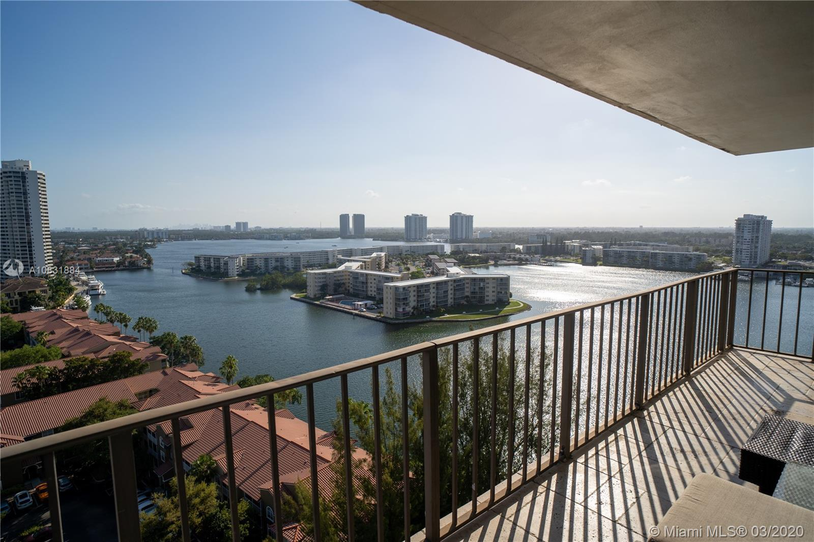 VIEWS! VIEWS! VIEWS! This modern and open floor plan unit allows you 1610 sq ft of spectacular views
