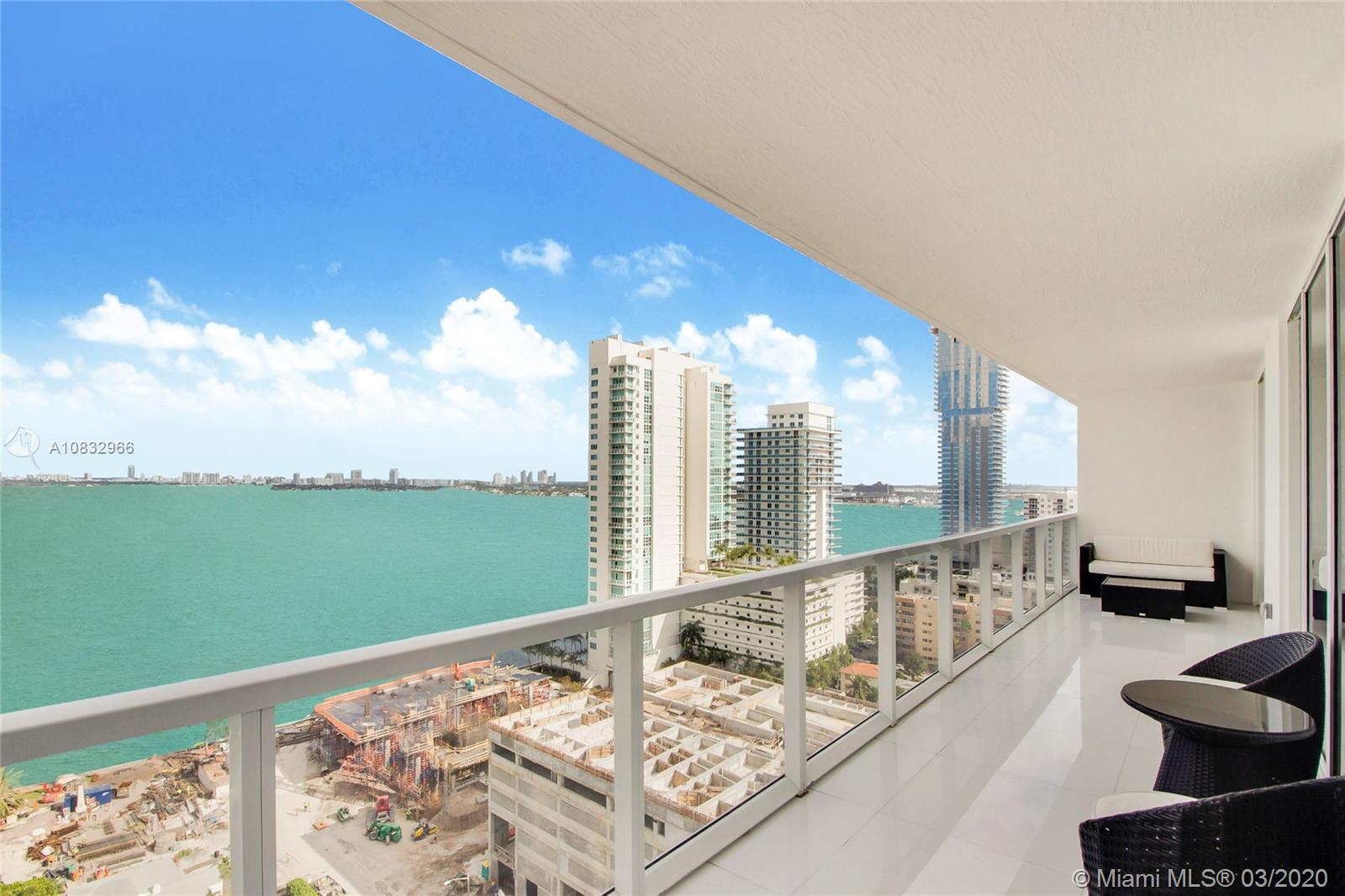 Spectacular unit with Unobstructed bay view!! Spacious unit with great floor plan, 3 bedrooms and 3