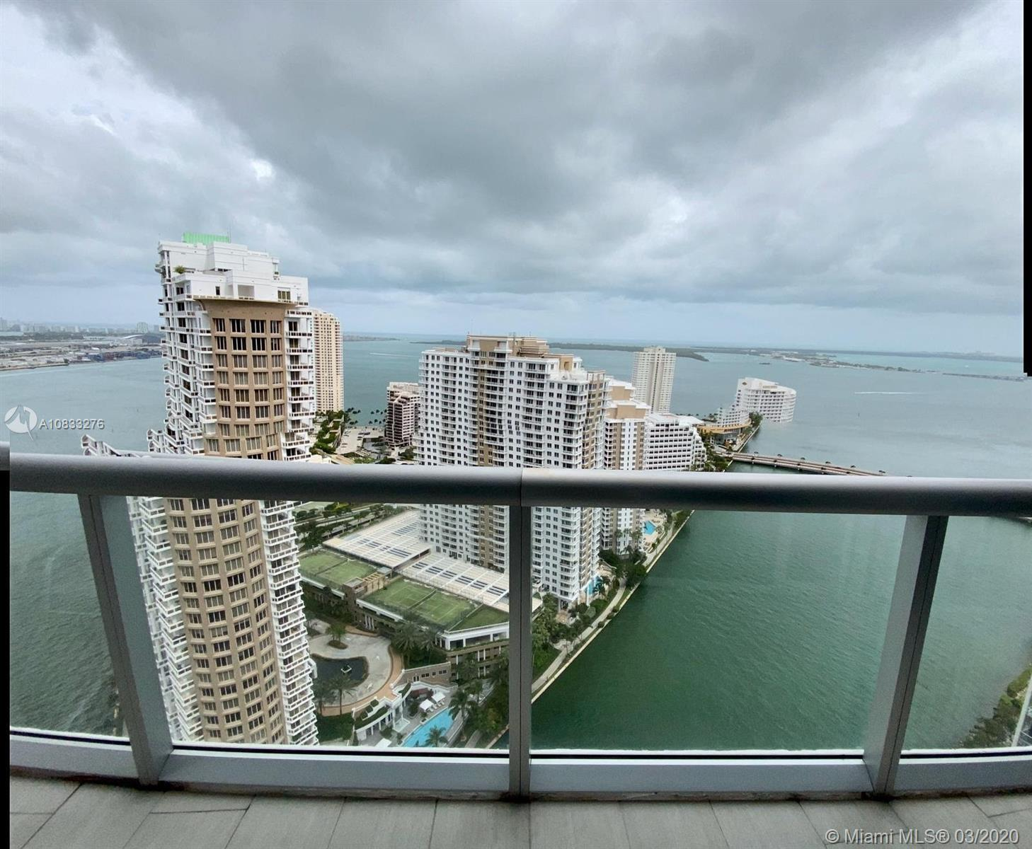 Gorgeous corner unit in  the the best line at Icon Brickell Tower 1 * Amazing water view * Unit remo