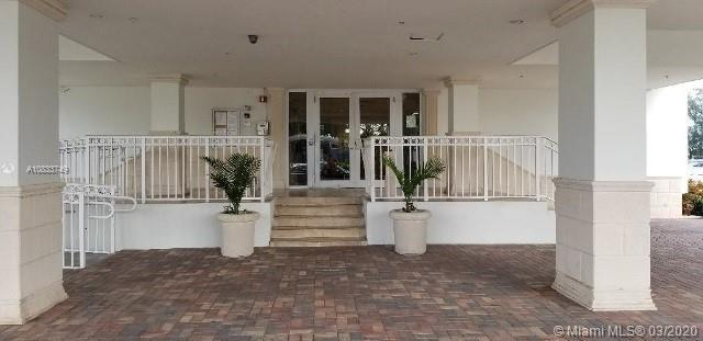 Lovely unit available at Caribbean Towers. Waterfront with one bedroom and one bathroom. Balcony and
