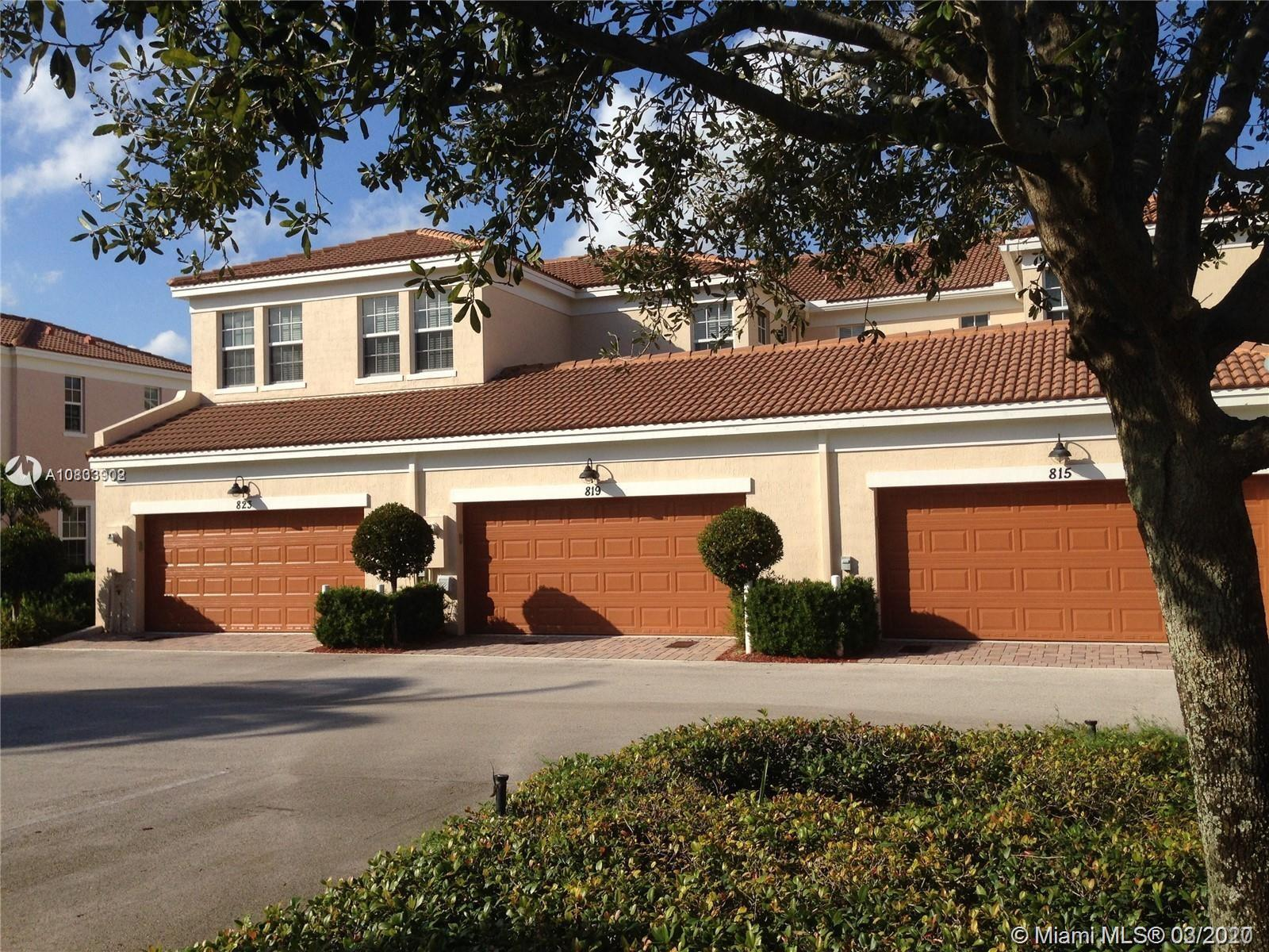 Nice townhouse in a good location community. Minutes from downtown Delray, Mizner Park, Best schools