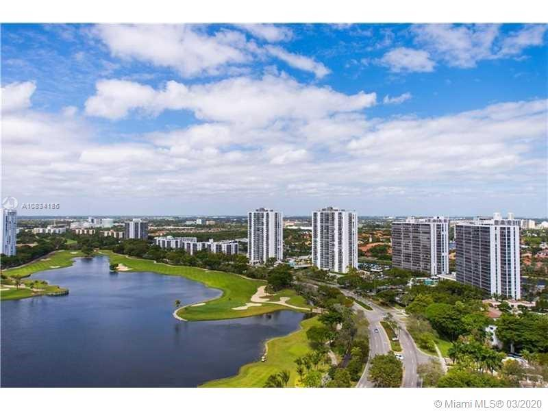 ENJOY MAGNIFICENT VIEWS OF TURNBERRY GOLF COURSE SKYLINE AND LUSH GARDENS FROM THIS SPACIOUS 3/2/1 W