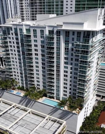 LIVE IN A BEAUTIFUL AND SPACIOUS 1 BEDROOM 1 BATH APARTMENT IN THE HEART OF BRICKELL. AMAZING VIEWS,