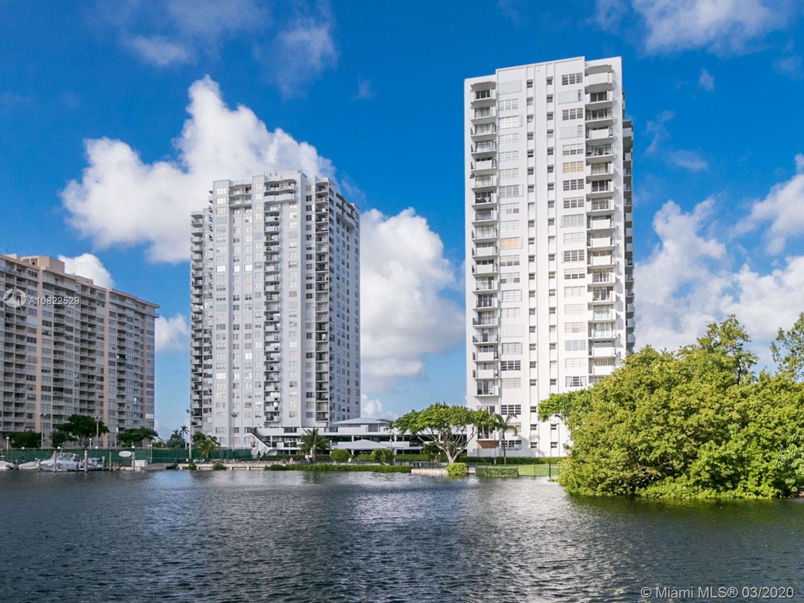 Welcome home to stunning water views from this spacious condo located in the heart of Aventura! This
