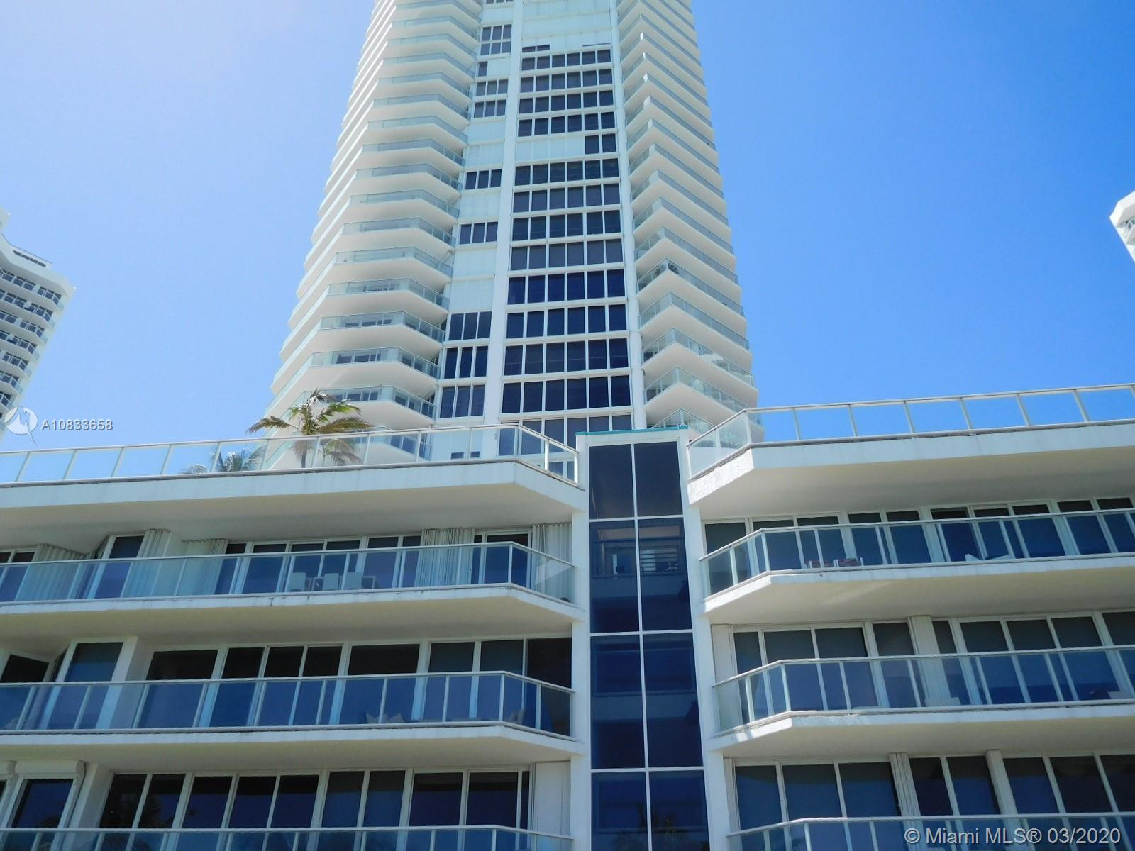 BEAUTIFUL OCEAN AND POOL VIEW FROM THIS VERY SPACIOUS, SPLIT PLAN 2/2 APARTMENT ON THE 6TH FLOOR. LA