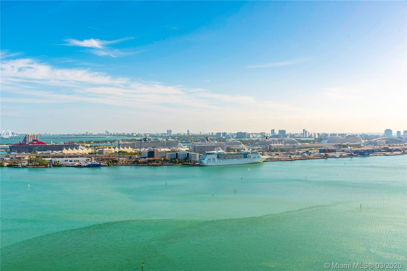 Immaculate 3 bedrooms 3.5 bathrooms flow-through unit with direct city and bay views. Asia is a luxu
