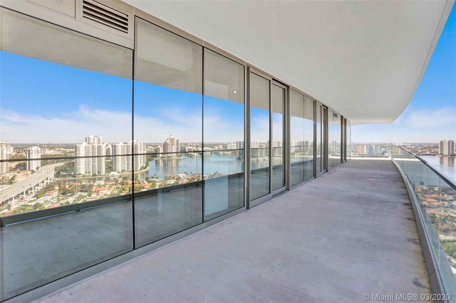This 2 bedrooms corner unit has stunning ocean & intracoastal views. Located at Residences of Armani