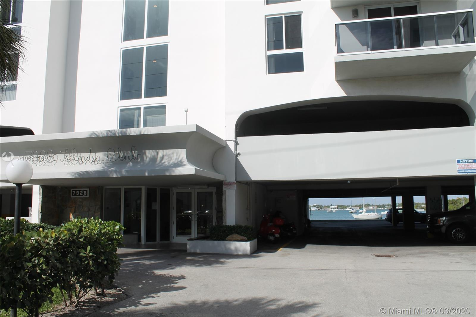 Perfectly located chic condo exuding Miami distinctive style in bay from the building. Clean, modern