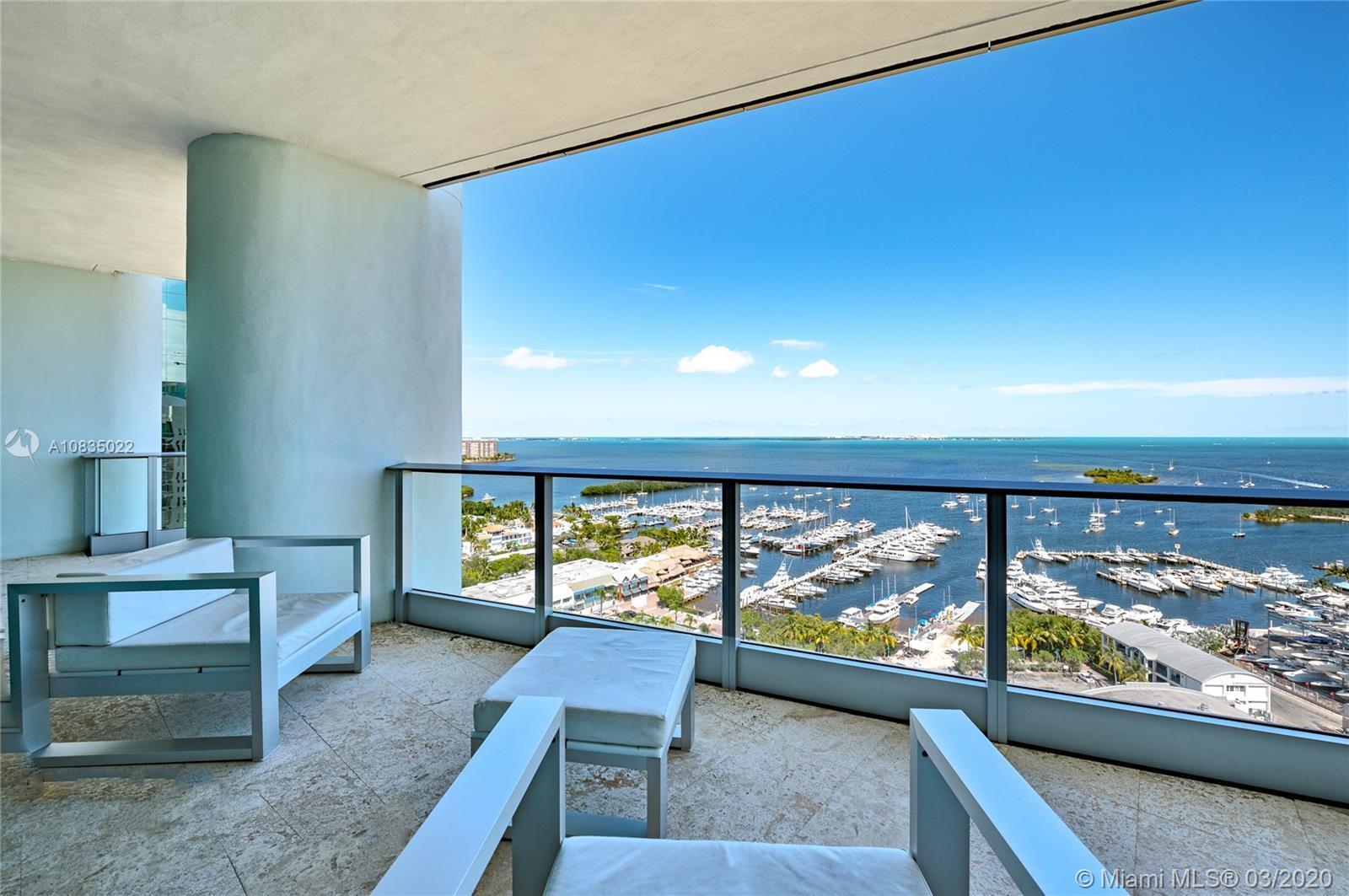 Amazing 2 bed/2 bath direct Bahia views unit. Full closets. White marble 80x60 cm floor and granite