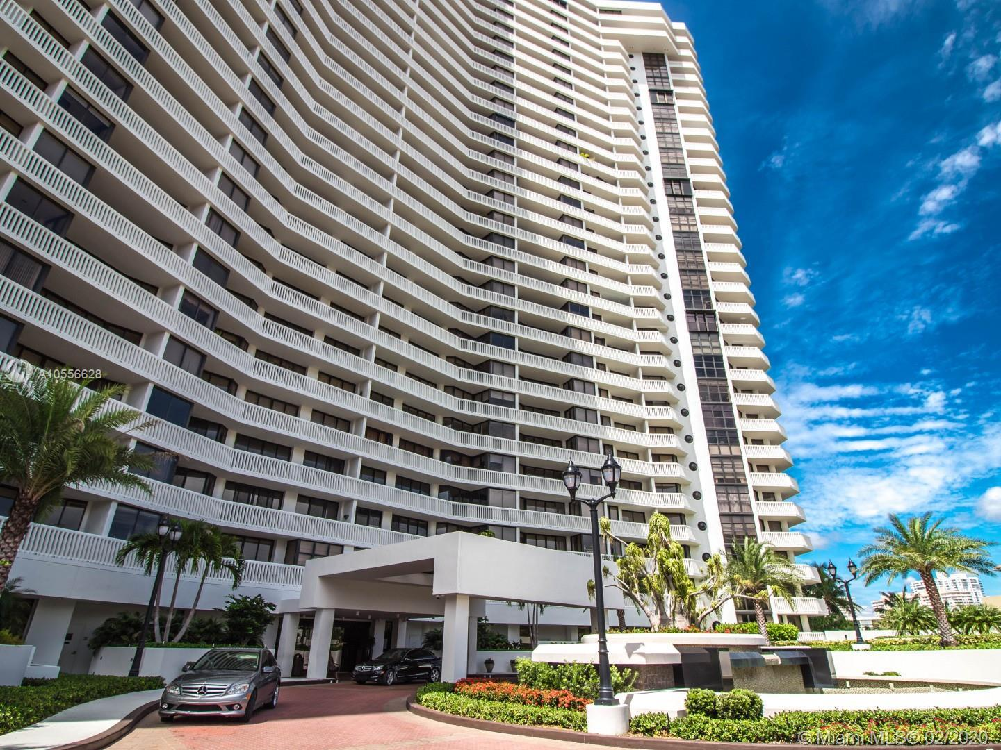 Williams Island Tower 1000 / Aventura / Extraordinary ocean and city view / 3 bedrooms, 3 Bathrooms,