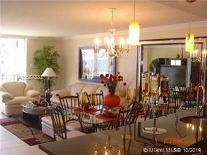 Beautiful! Remodeled apartment on a beach, open kitchen, all tile floors, new hurricane and sound pr