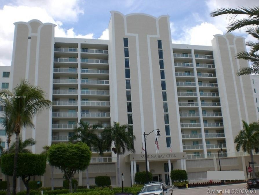 LOCATED IN SUNNY ISLES BEACH WITH A GORGEOUS VIEW OF THE BAY**IT IS VERY CLOSE PROXIMITY TO THE GROC