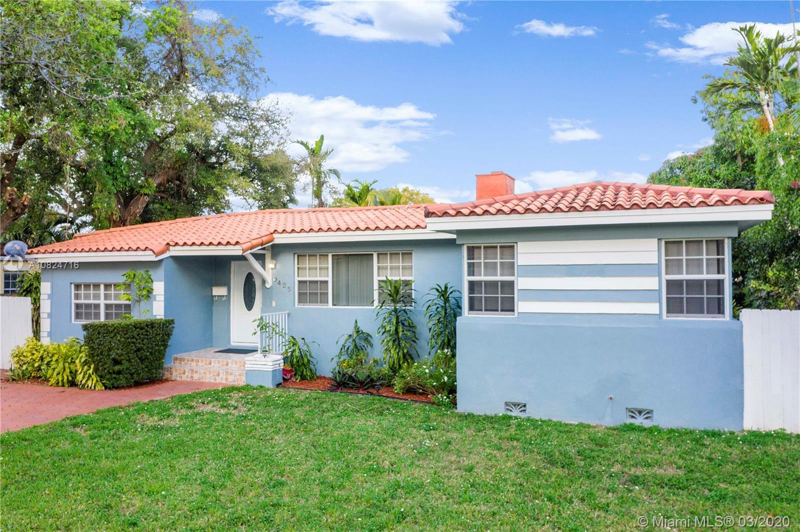 Classic style meets modern. Welcome to this beautiful starter home in Miami Shores. Come in to be am