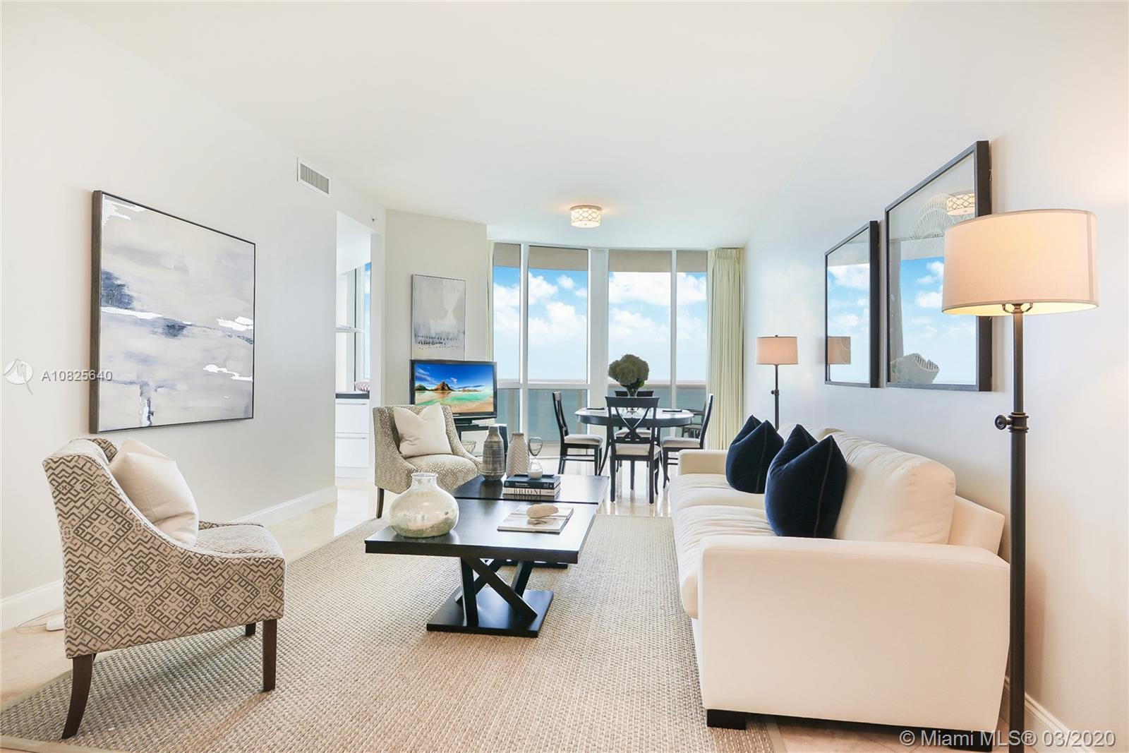 Rarely available! Trump Royale Condo located in Sunny Isles Beach, most desired line with breathtaki
