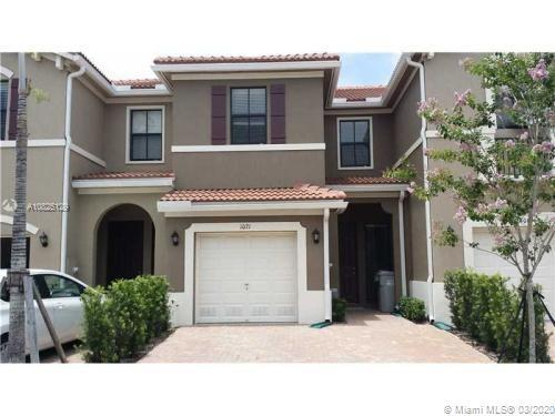 Amazing Lake view, Mediterranean style  Townhomes at Madison Place  3 Bedroom 2,5 Bathroom and 1 Car
