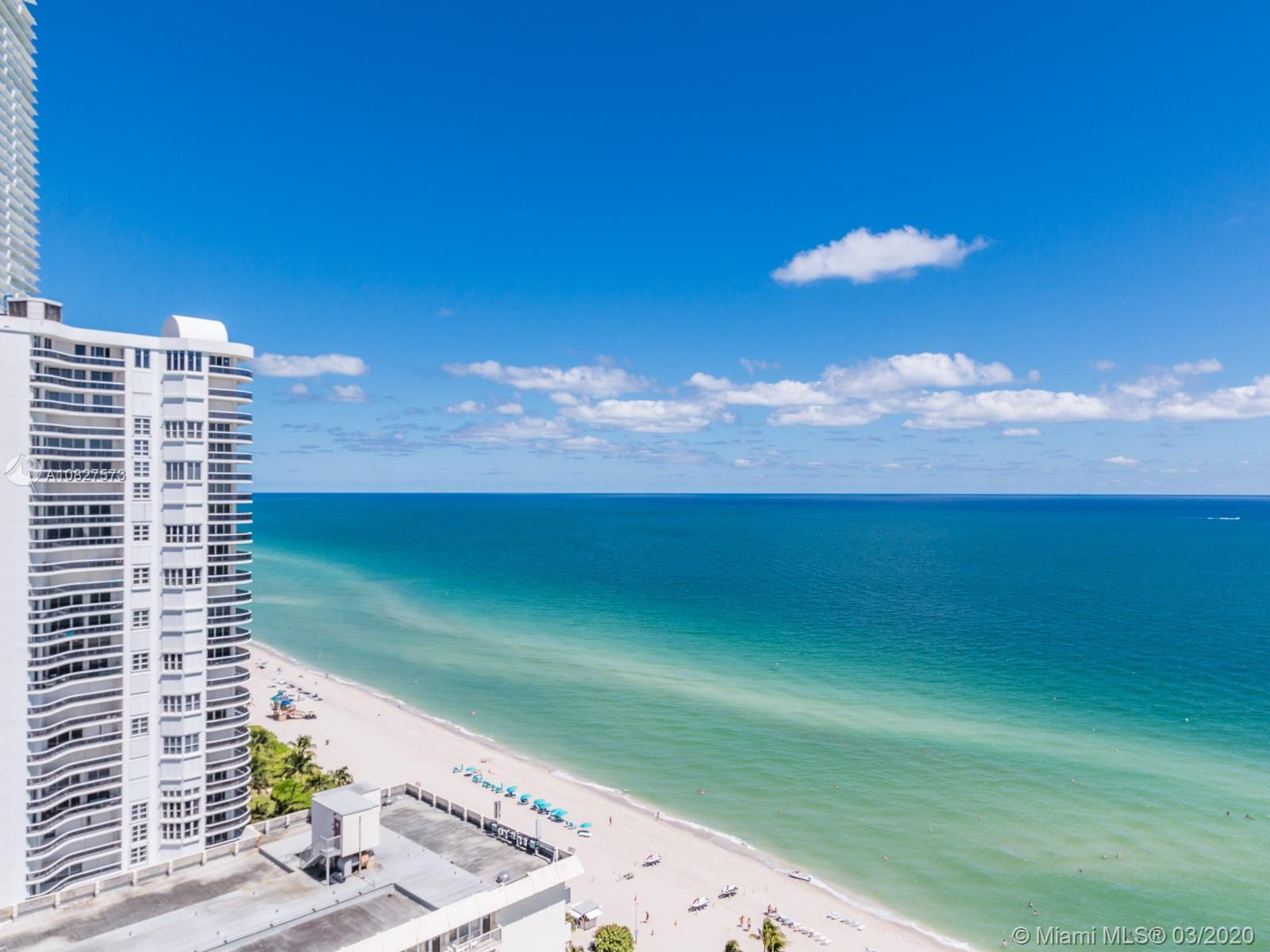 *** DIRECT UNOBSTRUCTED OCEAN VIEWS *** GREAT UNIT *** TRAVERTINE MARBLE FLOORS THROUGH-OUT. UNIT IS