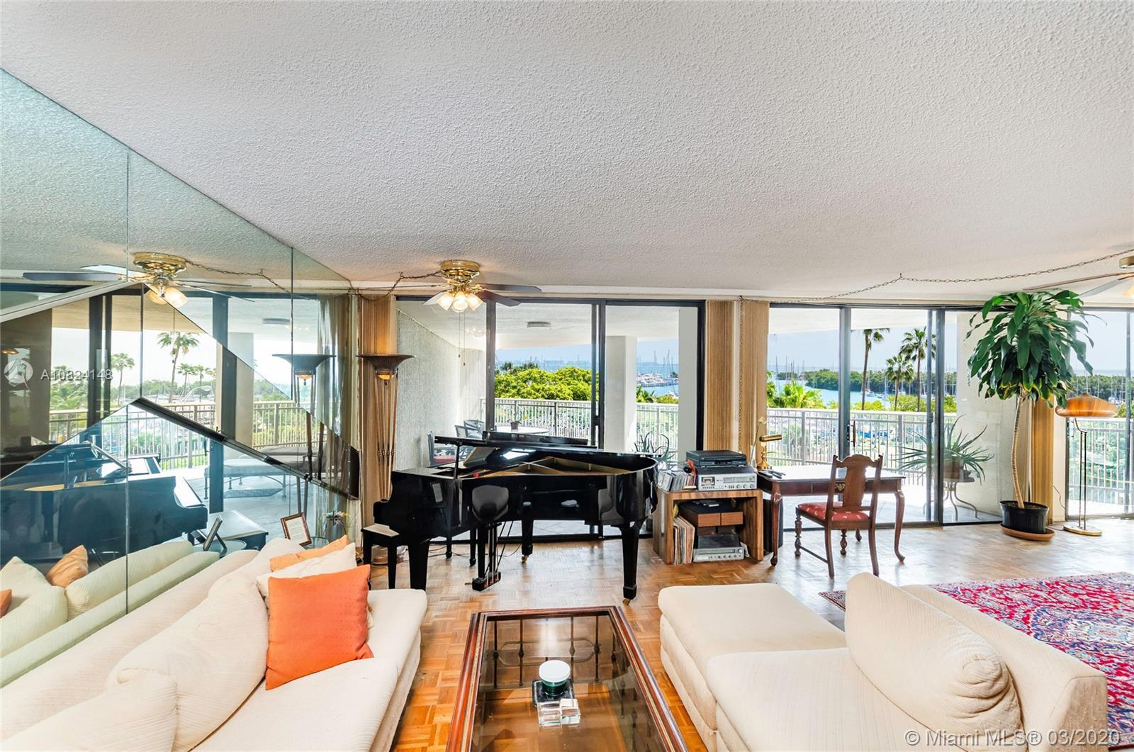 Fabulous Yacht Harbour Condominium prestige & secure building in the heart of Coconut Grove. The spa