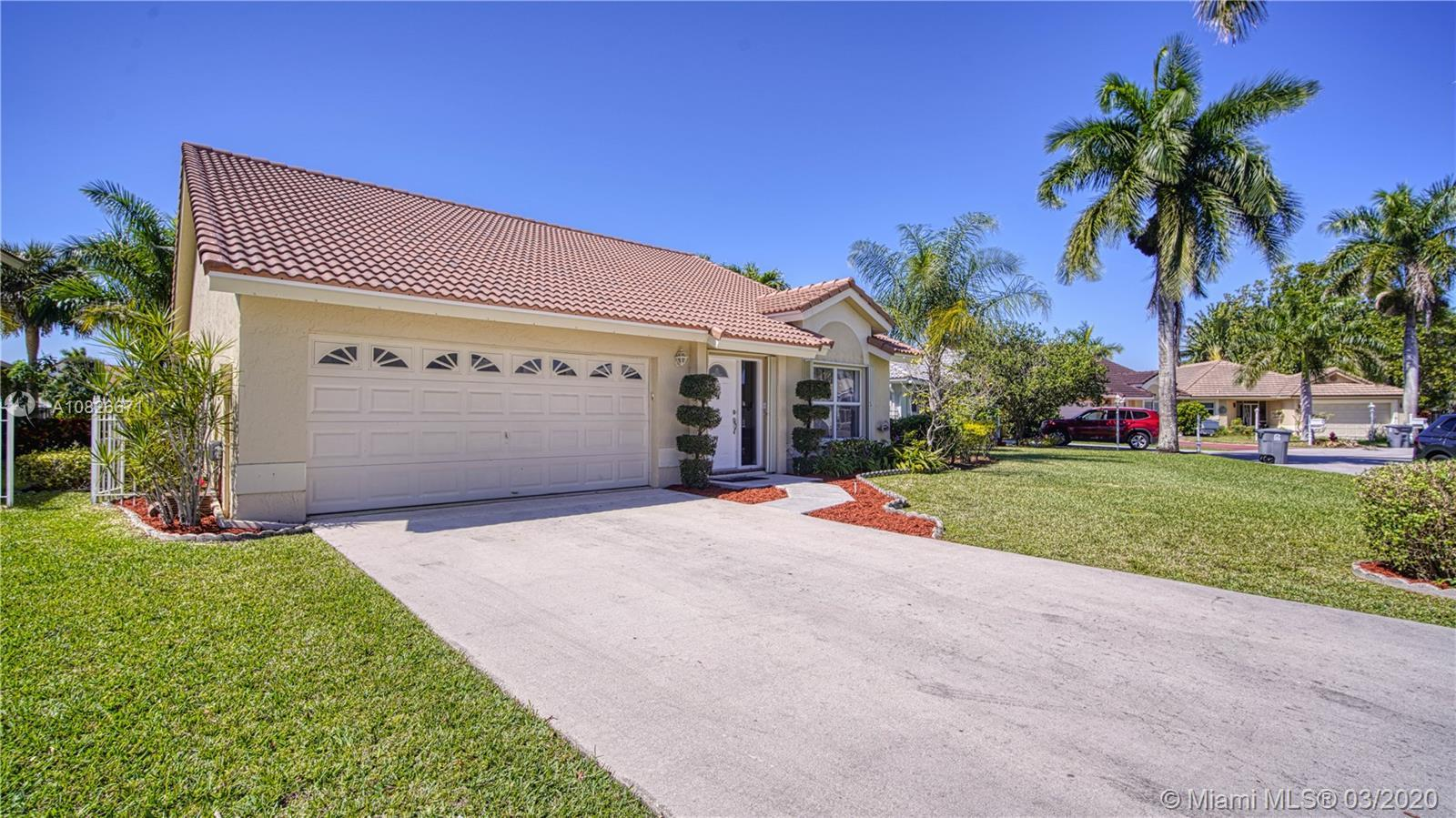 Beautiful Lake view Home 3 Bed/2 Bath. Home cul-de-sac in the nicest community in Boca Raton BOCA CH