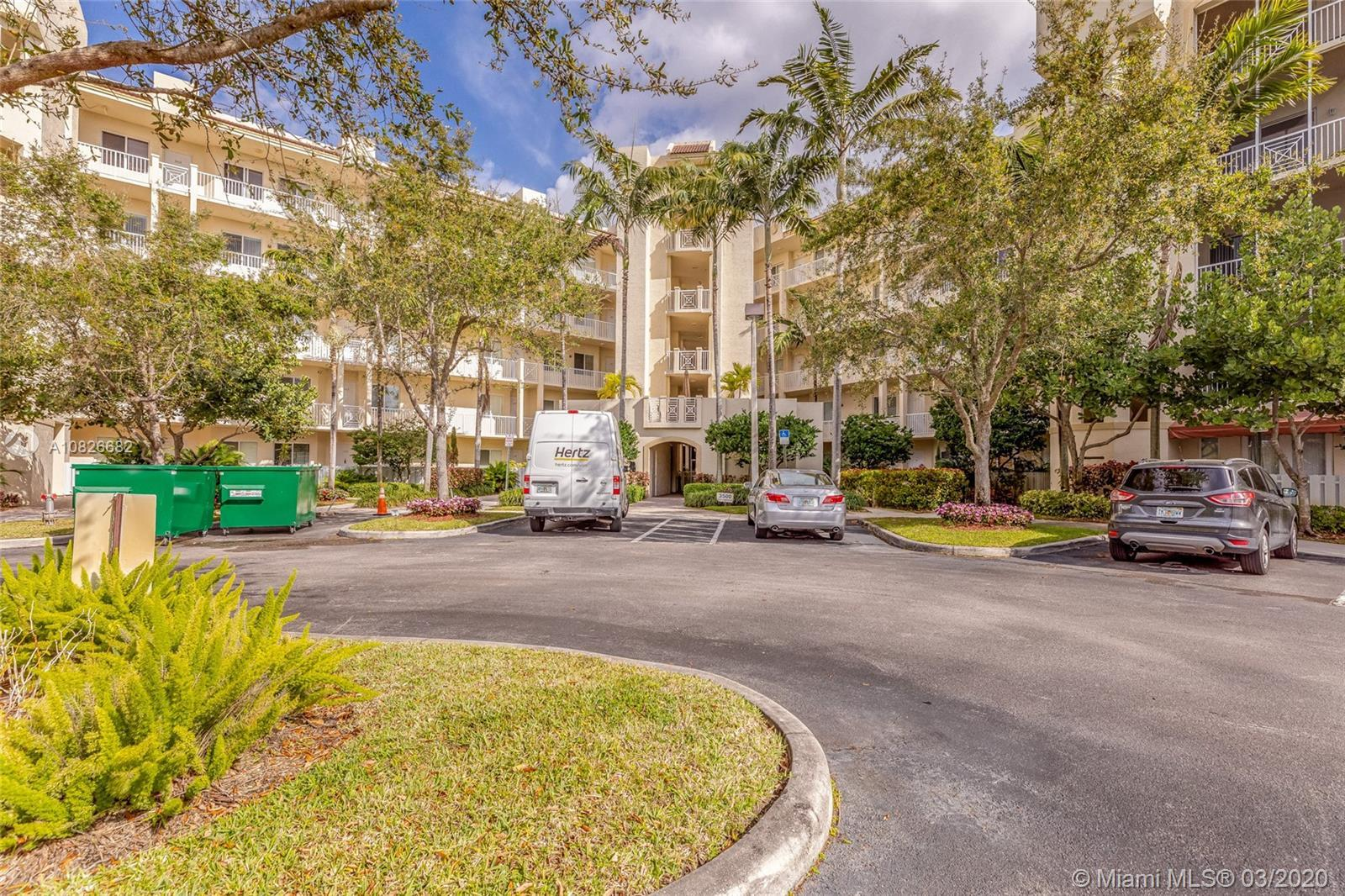 EXCELLENT OPPORTUNITY FOR INVESTOR, YOU CANT RENT 1ST YEAR OWNED. BEAUTIFUL UNIT 3 BEDROOMS ANS 2 BA