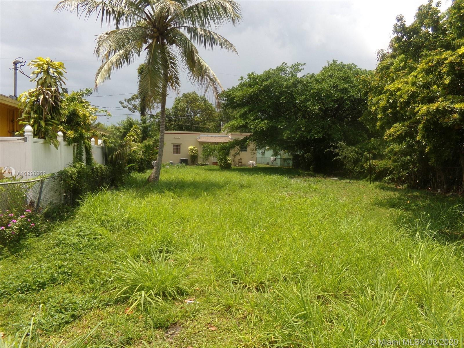 THIS PROPERTY IS LOCATED IN A CORNER LOT IN A VERY EXCLUSIVE AREA FEATURING 4 BEDROOMS WITH 3 BATHRO