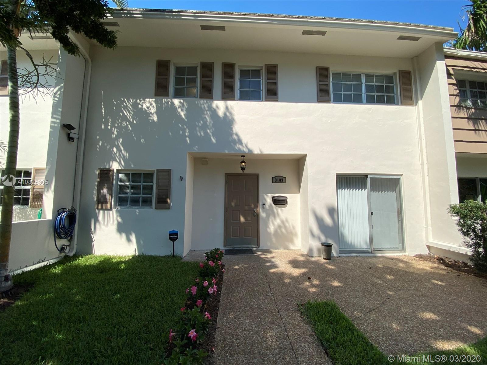 Beautiful/modern large 2 story, 3 bedroom , 2 1/2 bath townhome with expansive back yard overlooking