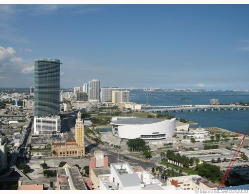 Amazing panoramic city view ** . Capacity HE Washer , A/C In-Line Water , Blackout Roller Blinds Beh