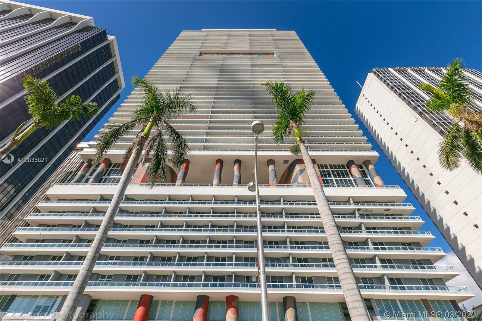 Welcome to the condo of your dreams at the 50 Biscayne in the heart of downtown. Located right in fr