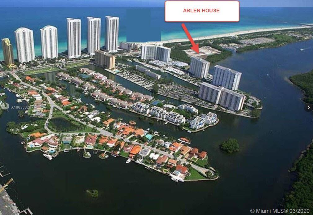 THESE BEAUTIFUL WATERFRONT CONDO 1 BEDROOM 1.5 BATHS WITH BREATHTAKING VIEWS OF THE  OCEAN AND INTRA