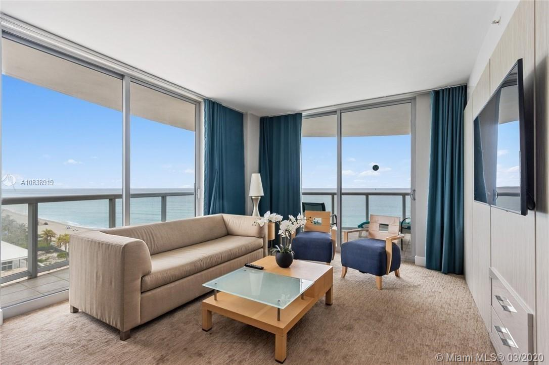 Spacious, bright and beautiful oceanfront apartment - NE open corner with an amazing view of sunrise