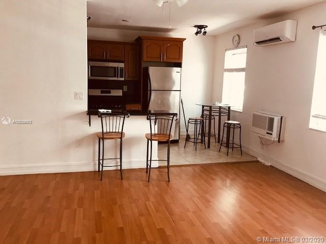 Gorgeous studio, totally updated, open kitchen. wood floors,550 sq.The best location, just a block f