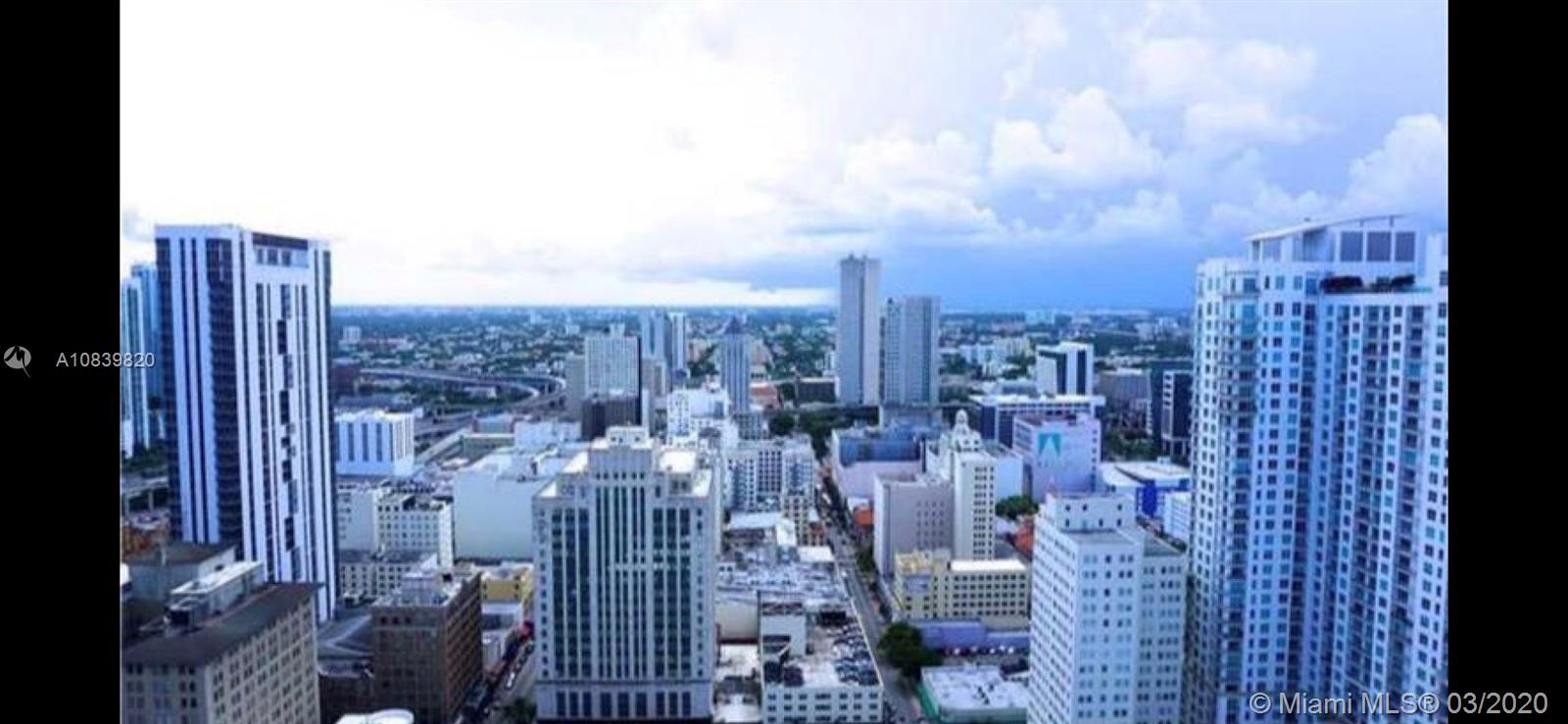 Beautifull apartment in the heart of downtown miami. Amazing view of the entire city of miami and th