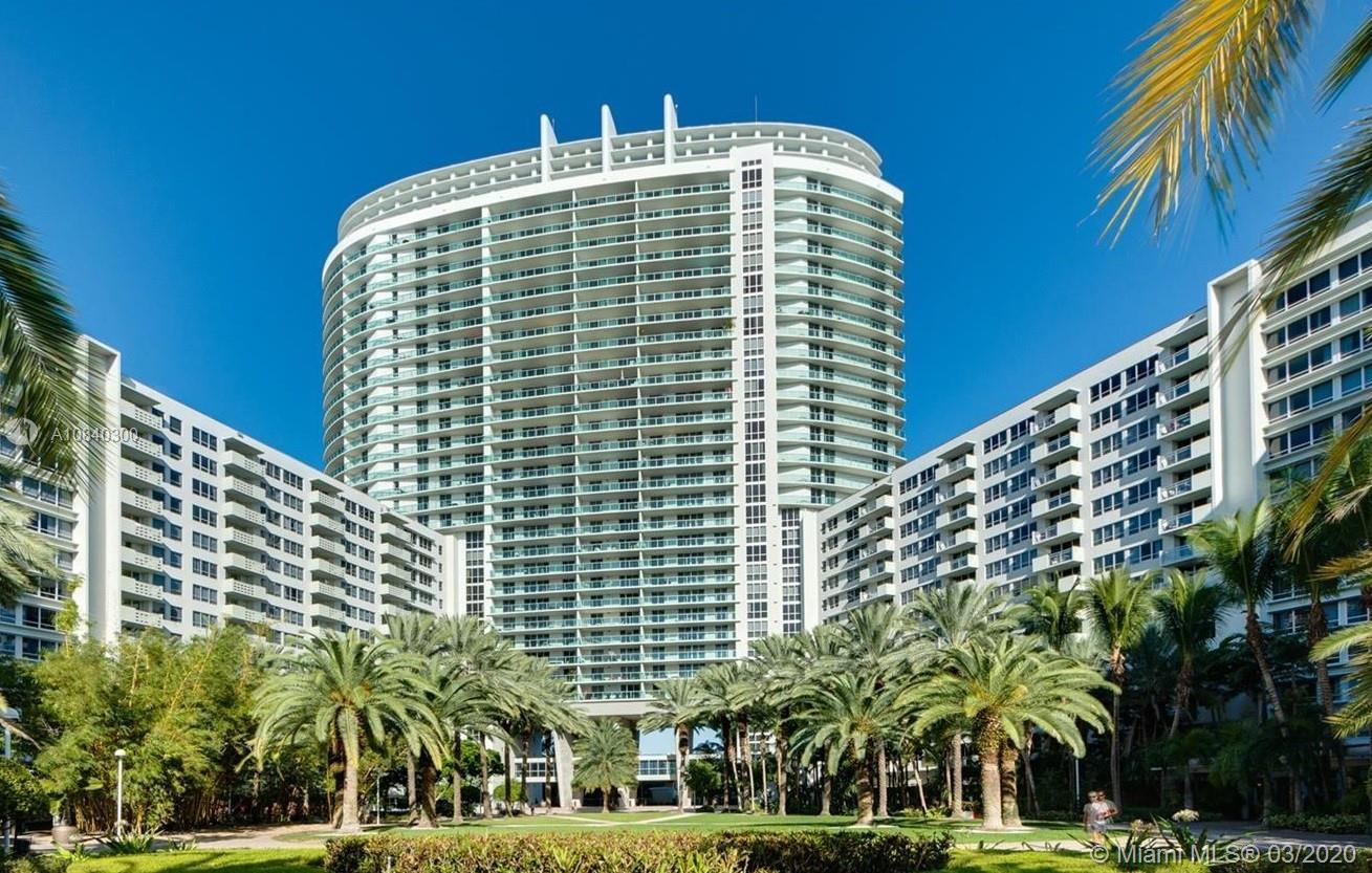 2/2 unit at the famous Flamingo in Miami Beach. This building hast it all, pool, gym, and more! The