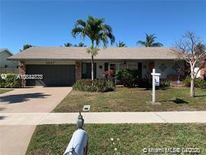 BRAND NEW ROOF JUST INSTALLED ON 3/31/20!! THIS ONE IS THE POPULAR GORHAM MODEL, (ONLY MODEL WITH A