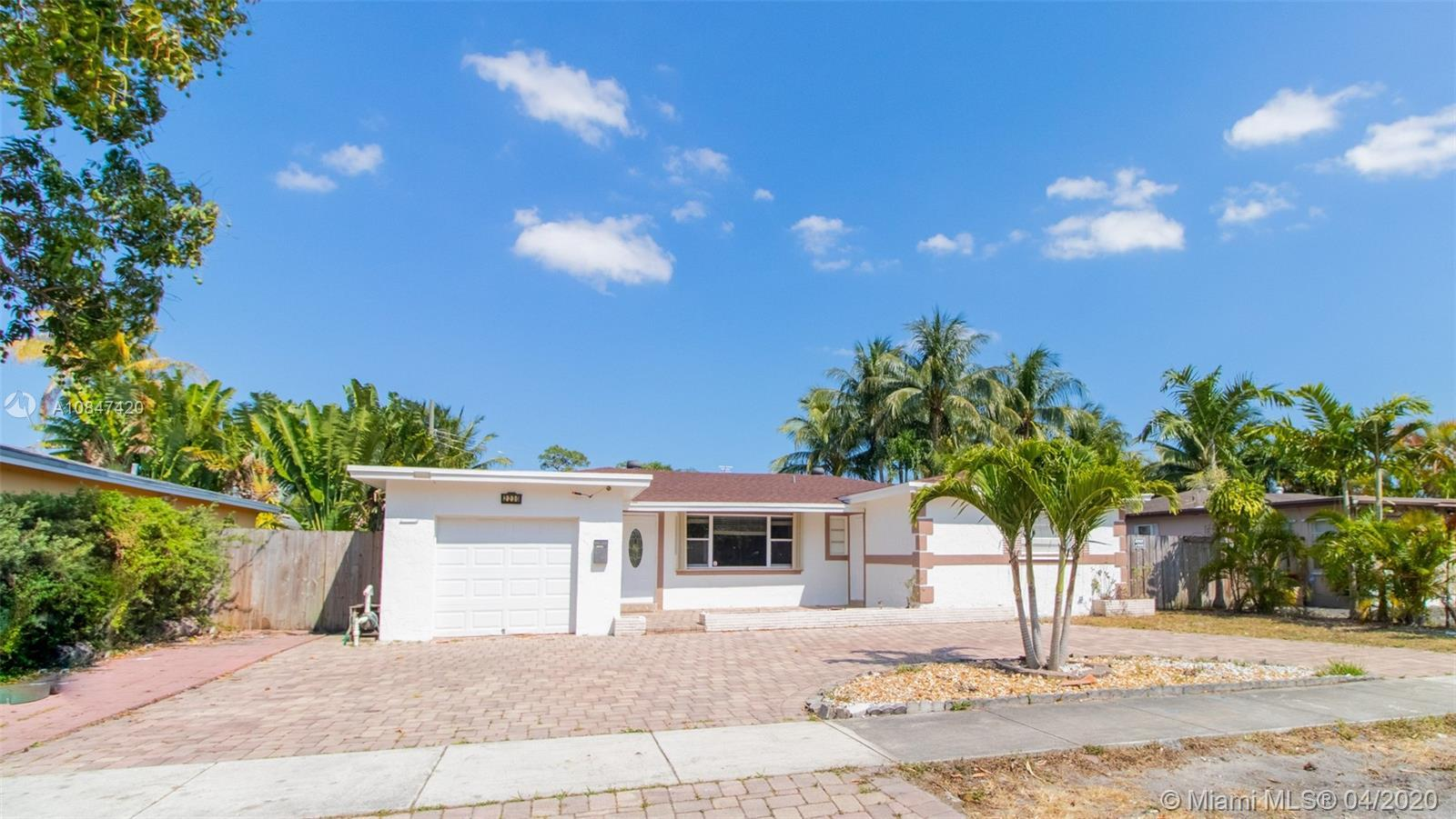 Beautiful and presentable curve-appeal 1841SF house with 8,084sf lot in an absolutely nice and quiet