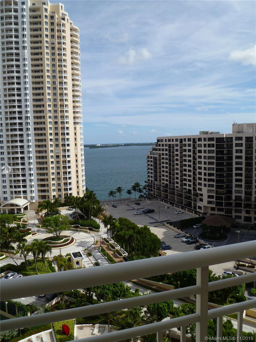 Best price in the building for a line 07. Great opportunity to buy at the prestigious One Tequesta P