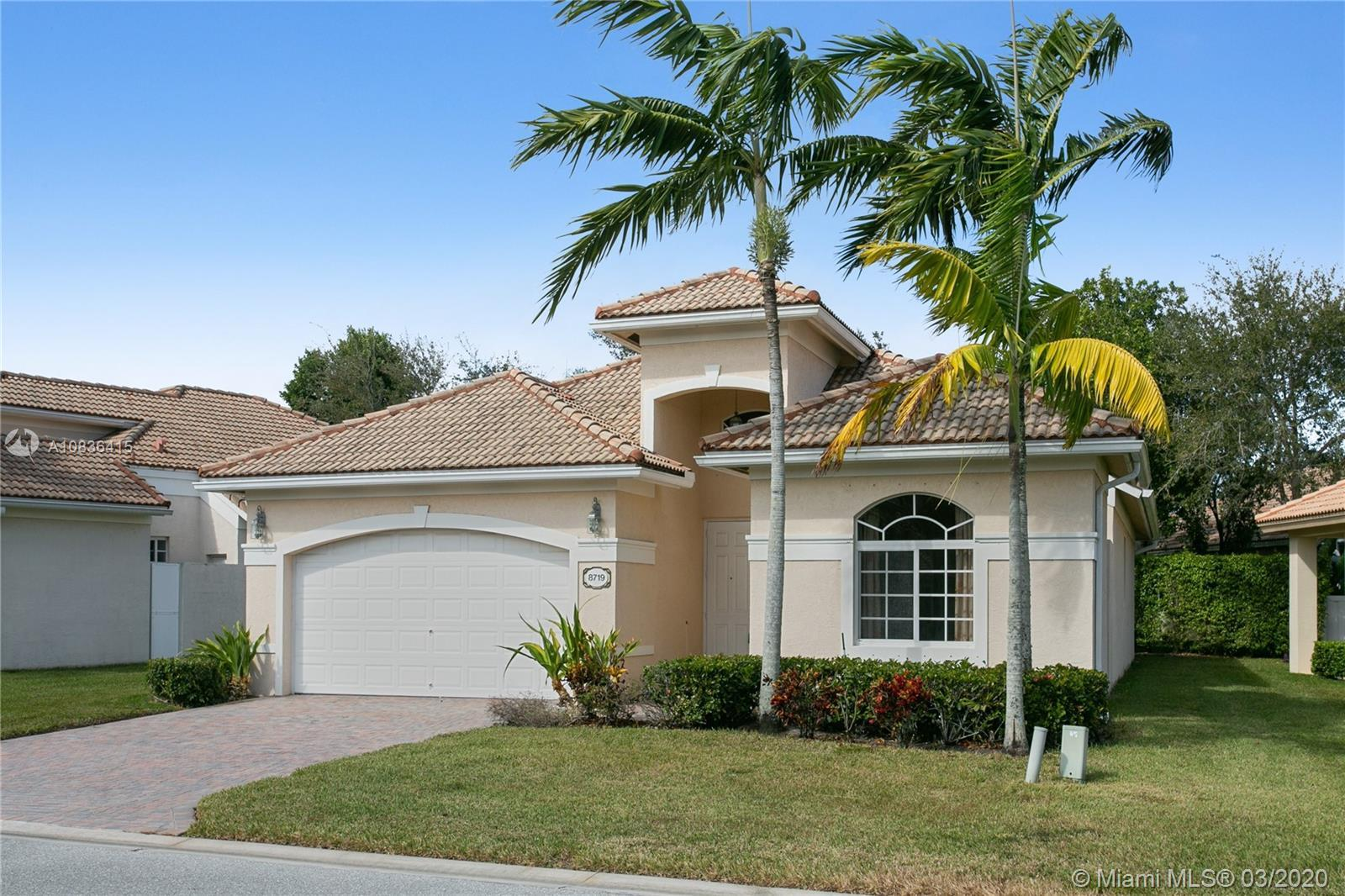 1-story single family home in desireable Andros Isle. The property offers brand new interior paintin