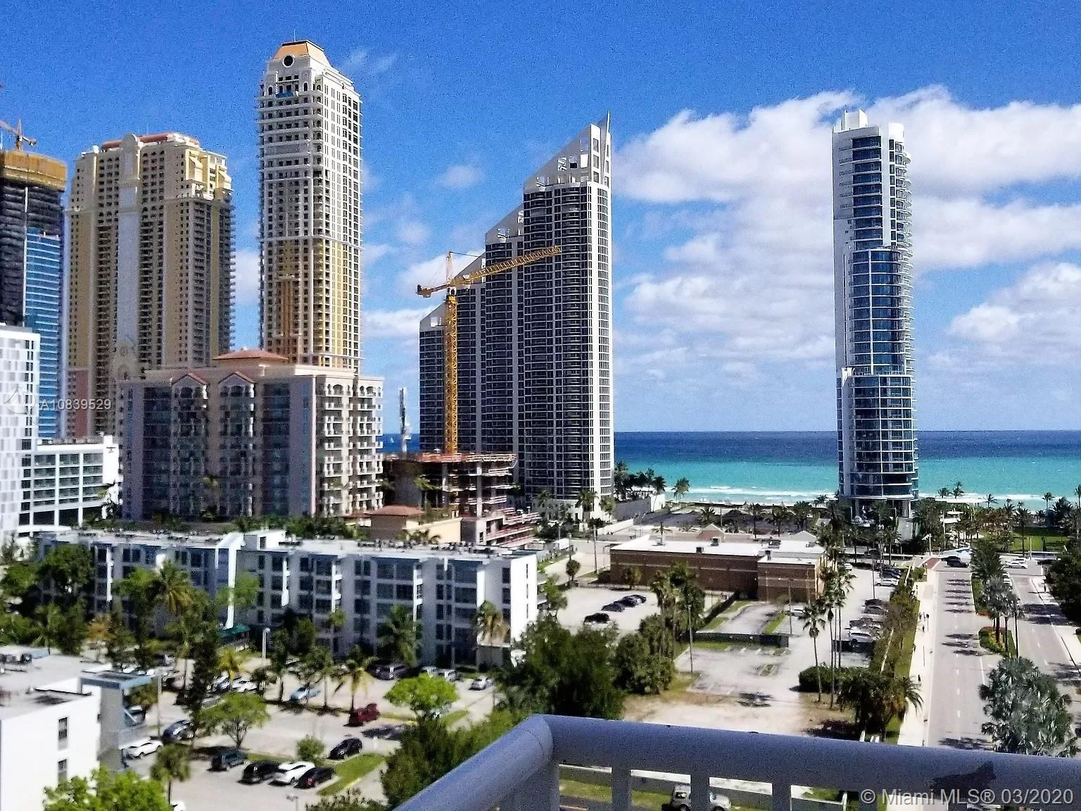 Completely renovated huge corner 2 BD / 2 BTH apartment with walking distance to the beach. Gorgeous