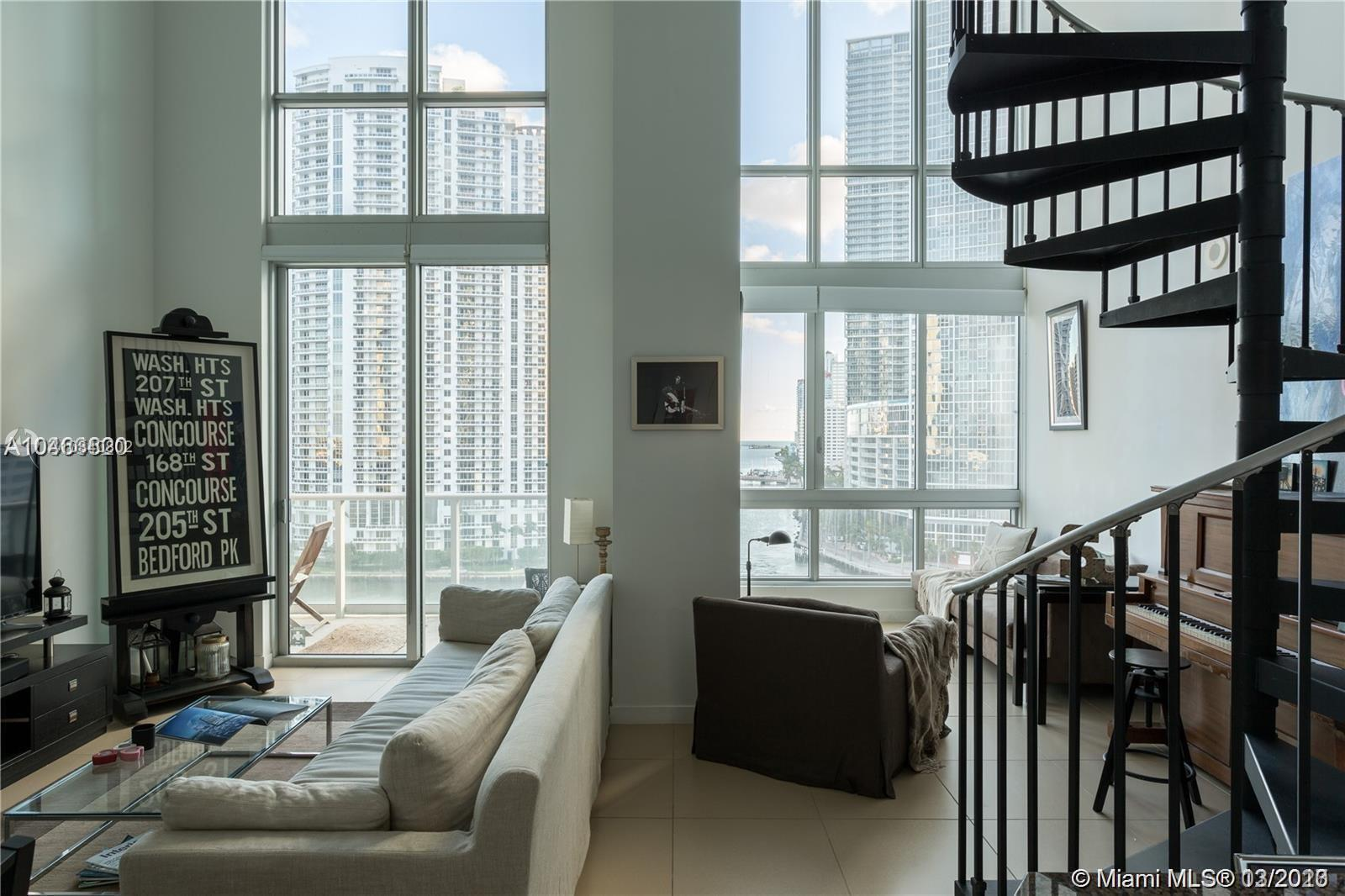 Motivated Seller. Best deal in The MET! Beautiful 1BD+2 BATH loft building available to rent in down