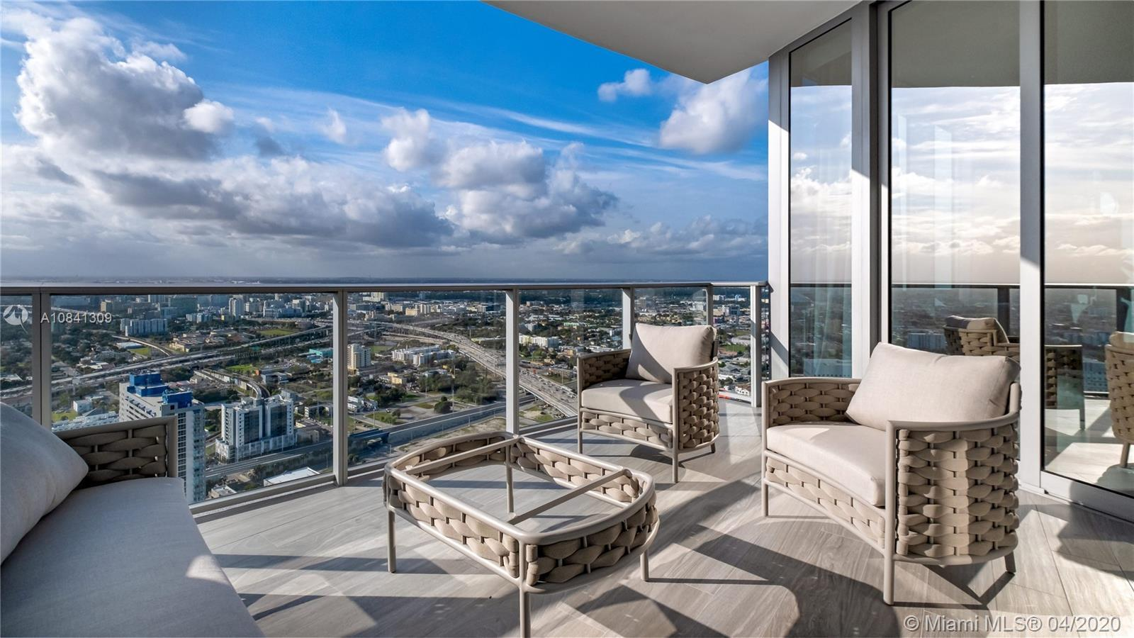 PARAMOUNT Miami Worldcenter, the building with the most amenities in the world. Unit was designed by