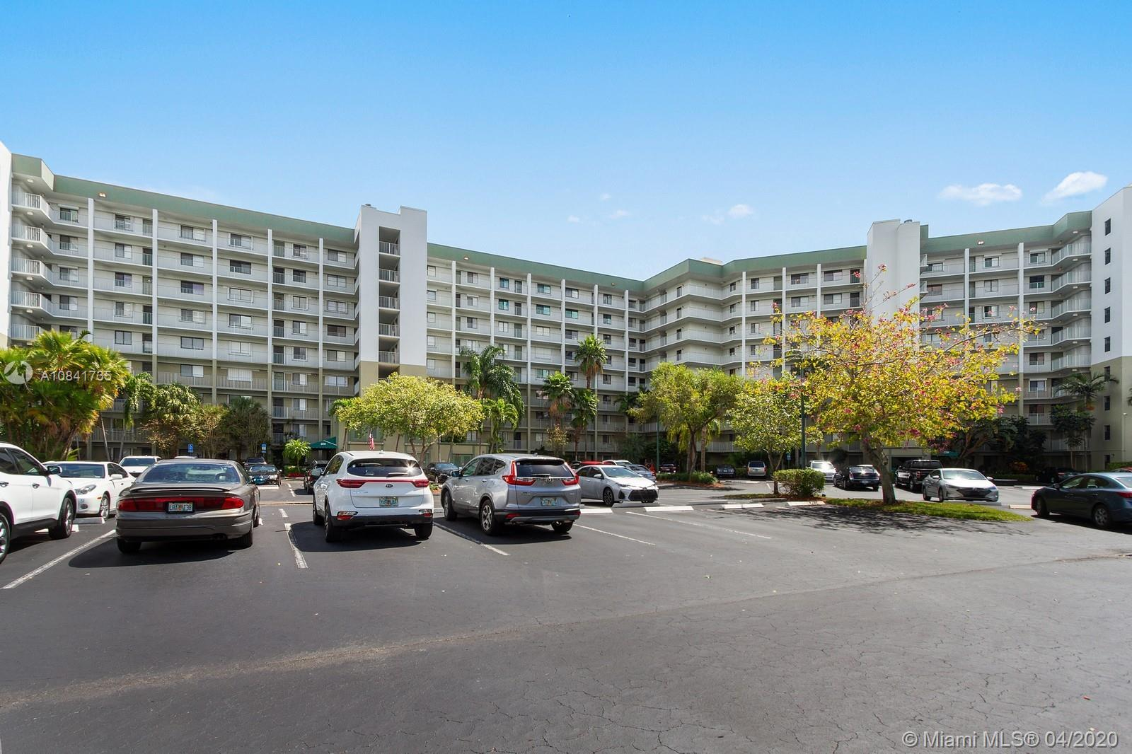 Beautiful and charming describes this 2 bedroom/2 bath Penthouse Condo, located in the most desirabl