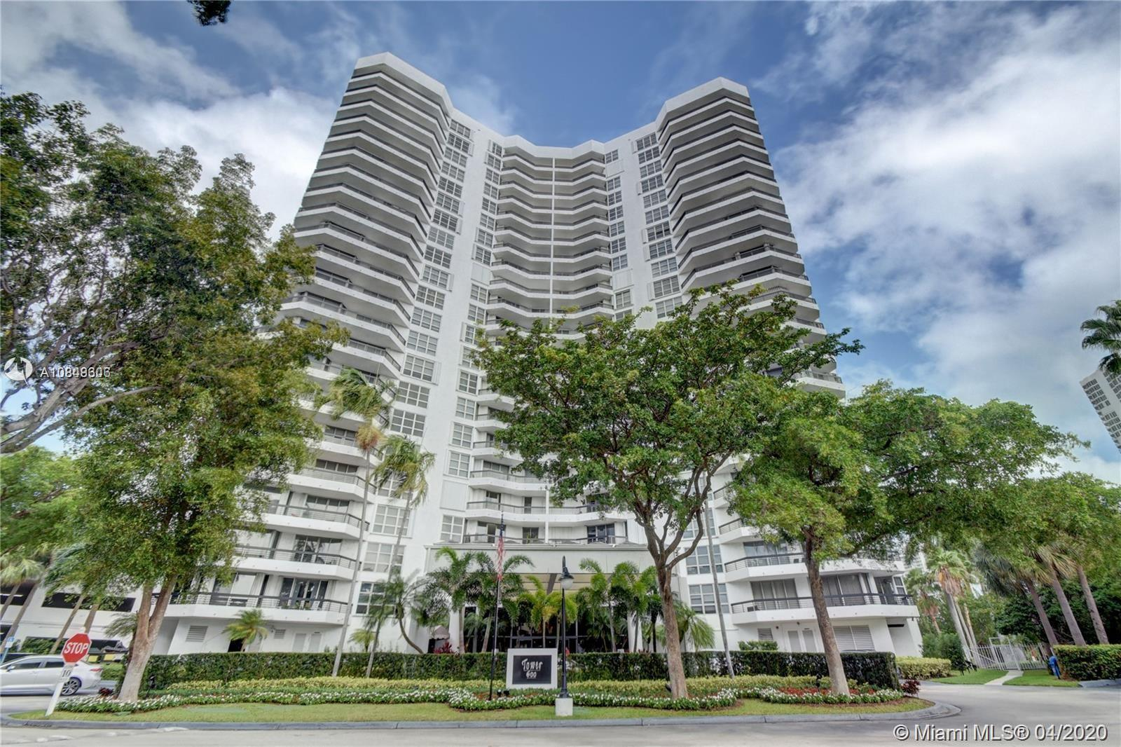 Best Deal for a Corner unit in Mystic Point!! Come and show this under market value, large kitchen,