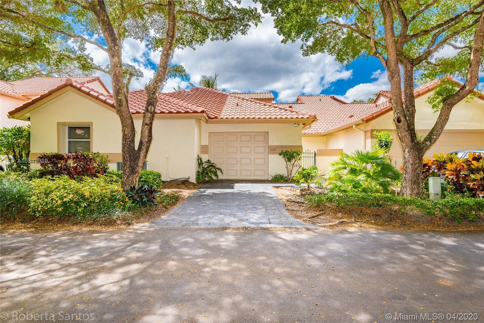 Amazing house in a gated community in the heart of Boca Raton. Walk distance to the Town Center Mall